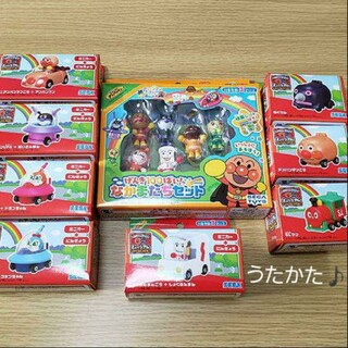 アンパンマン(アンパンマン)の【9個セット】アンパンマン Let's Go ミニカー 8個 + 仲間たちセット(ぬいぐるみ/人形)