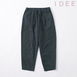 イデー(IDEE)のIDEE  POOL いろいろの服 コットンテーパードパンツ  M ネイビー (カジュアルパンツ)
