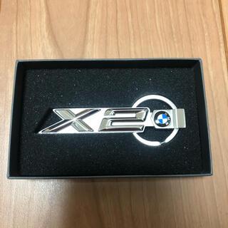 ビーエムダブリュー(BMW)の【新品未使用・非売品・箱付き】BMW X2 キーリング ノベルティ(車外アクセサリ)