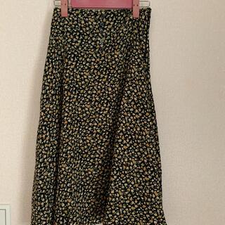 エブリン(evelyn)のアンミール新品スカート(ひざ丈スカート)