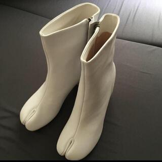 マルタンマルジェラ(Maison Martin Margiela)の足袋ブーツ ブーツ ホワイト 38(ブーツ)