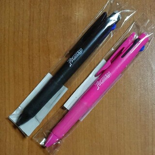 ホッカイドウニホンハムファイターズ(北海道日本ハムファイターズ)の北海道日本ハムファイターズ サラサ3色ペン 2本セット(記念品/関連グッズ)