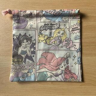 ディズニー(Disney)の巾着袋(小)ディズニープリンセス(外出用品)