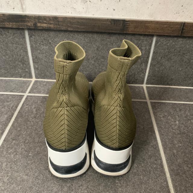 snidel(スナイデル)のsnidel スニーカーソックス ブーツ レディースの靴/シューズ(ブーツ)の商品写真