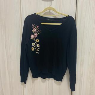 クイーンズコート(QUEENS COURT)のクイーンズコート 刺繍ニットセーター(ニット/セーター)