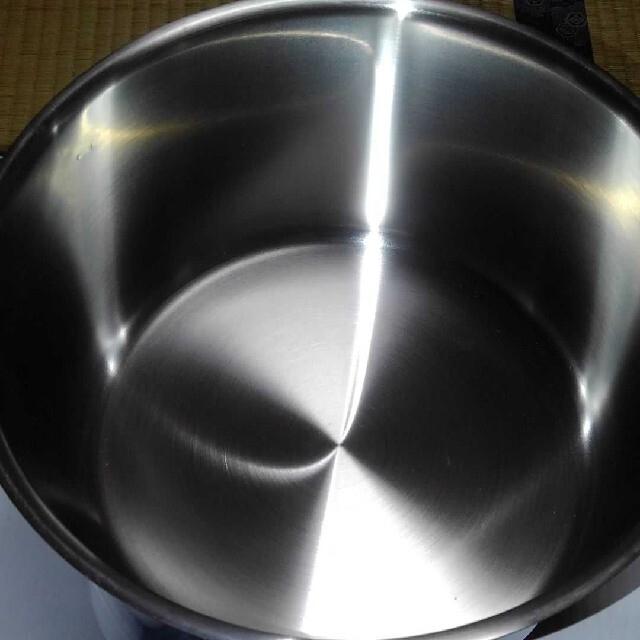 WMF(ヴェーエムエフ)の新品未使用!WMF ハイキャセロール(両手鍋)24センチ インテリア/住まい/日用品のキッチン/食器(鍋/フライパン)の商品写真