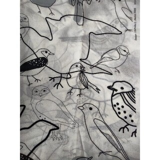 イケア(IKEA)のIKEA  鳥柄生地  150cmj巾×1m(生地/糸)