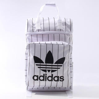 アディダス(adidas)の☆新品☆adidasリュック 縦ライン(リュック/バックパック)