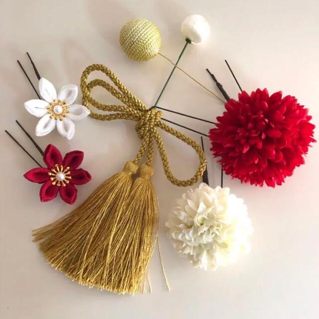 つまみ細工 和装 髪飾り 成人式 卒業式 レディースのヘアアクセサリー(ヘアピン)の商品写真