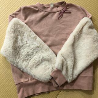 エフオーキッズ(F.O.KIDS)のアプレレクール 袖ファー リボン トレーナー(Tシャツ/カットソー)