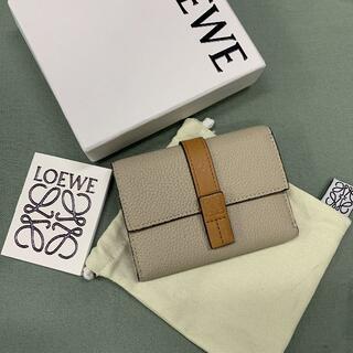 LOEWE - 新品正規品LOEWEバーティカル ウォレット ライトオーツ