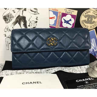 CHANEL - ★未使用品★CHANEL 19 フラップ チェーンココ長財布