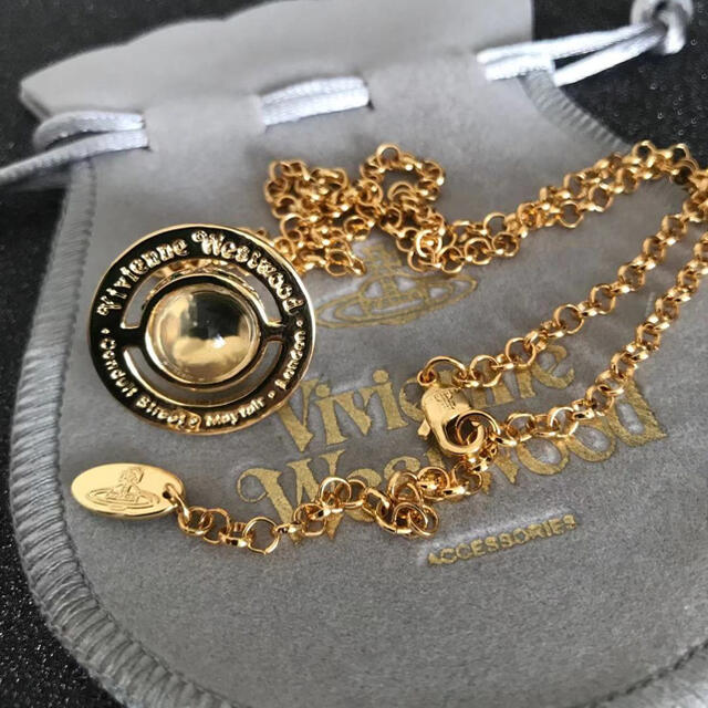 Vivienne Westwood(ヴィヴィアンウエストウッド)の新品 ネックレス 刻印あり ゴールド レディースのアクセサリー(ネックレス)の商品写真