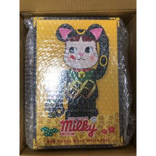 MEDICOM TOY - BE@RBRICK 招き猫 ペコちゃん 黒メッキ 100%&400%