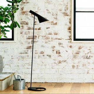 バルミューダ(BALMUDA)の美品 AJ フロアランプ リプロダクト品 ブラック(フロアスタンド)