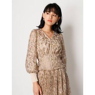Lily Brown - フラワー刺繍ブラウスとスカート