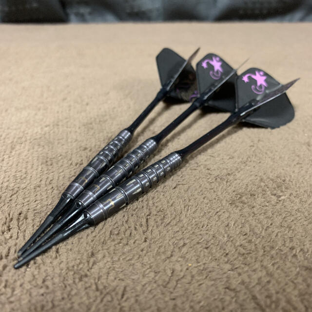 ダーツ TARGET   HADES   野毛駿平モデル エンタメ/ホビーのテーブルゲーム/ホビー(ダーツ)の商品写真