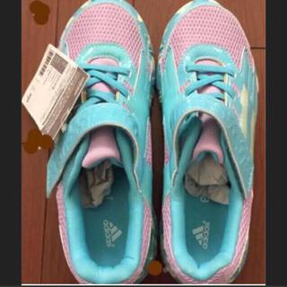 アディダス(adidas)のスニーカー アディダス 女児 靴 23.5 シューズ(スニーカー)