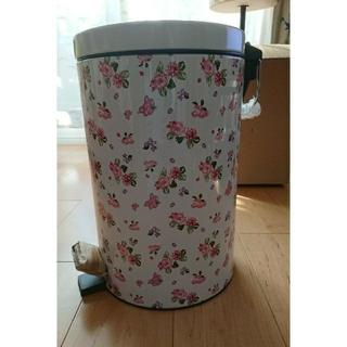ペダル式ゴミ箱 バラ模様 薔薇 キッチンゴミ箱 (ごみ箱)