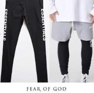 フィアオブゴッド(FEAR OF GOD)のFOG ESSENTIALS レギンスタイツ コンプレッションパンツ サイズM(レギンス/スパッツ)