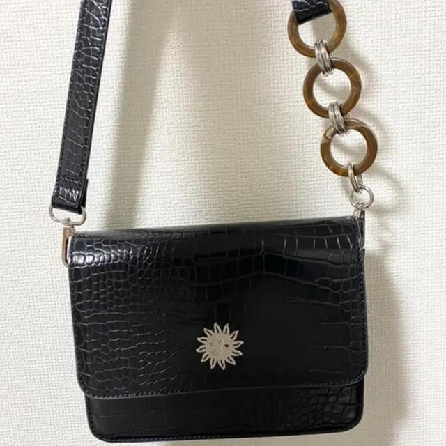 EVRIS(エヴリス)のEVRISショルダーバック レディースのバッグ(ショルダーバッグ)の商品写真
