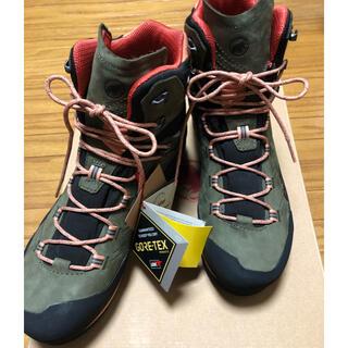 マムート(Mammut)のマムート 登山靴 新品未使用(登山用品)