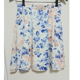 トランテアンソンドゥモード(31 Sons de mode)の花柄スカート(ひざ丈スカート)