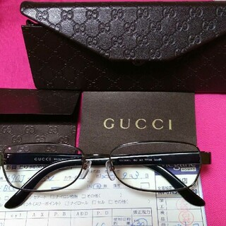Gucci - 美品 グッチ老眼鏡