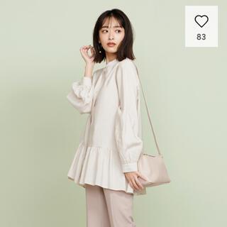 IENA - ★今期新品 GU ジーユー 美シルエット ギャザーフレアロングシャツ ベージュ
