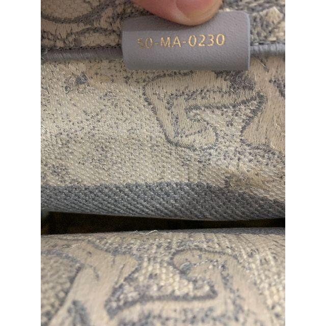 Dior(ディオール)のDIOR BOOK TOTE スモールバッグ レディースのバッグ(トートバッグ)の商品写真