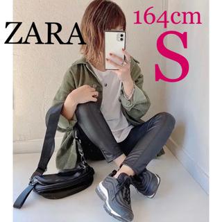 ZARA - ZARA シーム入りラバー仕上げレギンス フェイクレザーレギンスパンツ