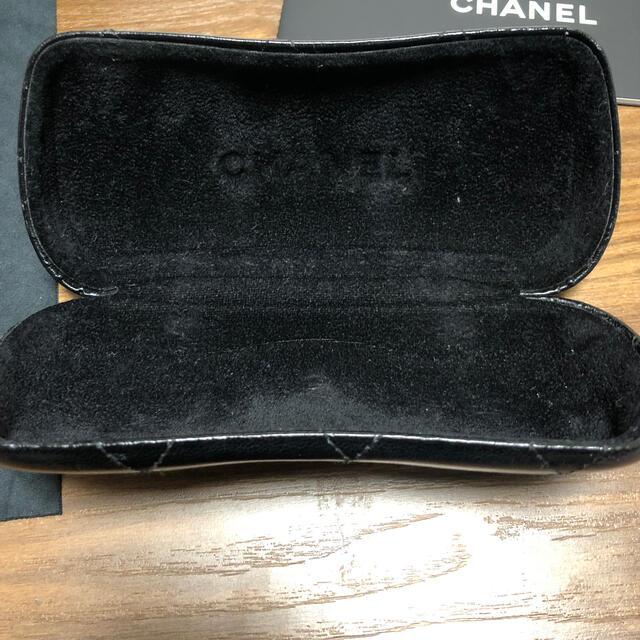 CHANEL(シャネル)のシャネルメガネケースと箱 レディースのファッション小物(サングラス/メガネ)の商品写真