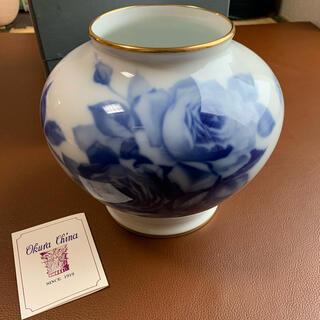 オオクラトウエン(大倉陶園)の大倉陶園ブルーローズシリーズの花瓶(花瓶)