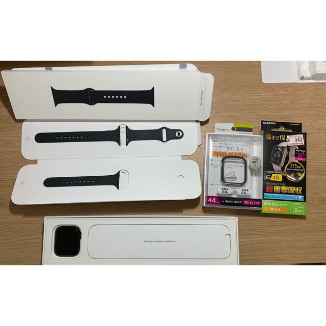 Apple Watch(アップルウォッチ)のApple Watch se  44mm スペースグレイ メンズの時計(腕時計(デジタル))の商品写真