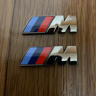 ビーエムダブリュー(BMW)のBMW純正Mフロントフェンダーブラッククロームエンブレム(車外アクセサリ)