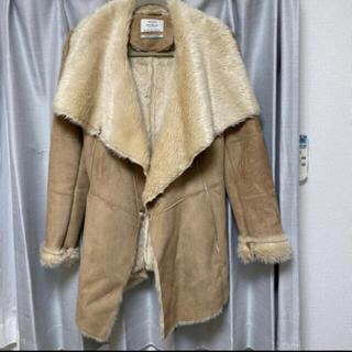 ベルシュカ(Bershka)のBershka コート(毛皮/ファーコート)