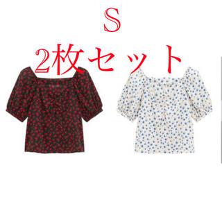 ジーユー(GU)のGU ローズプリントオフショルダーブラウス(5分袖) Sサイズ 2枚セット(シャツ/ブラウス(長袖/七分))