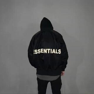 エッセンシャルデザイン(ESSENTIAL DESIGNS)の  FOG ESSENTIALS リフレクティブ ロゴ パーカー 黒 M(フライトジャケット)