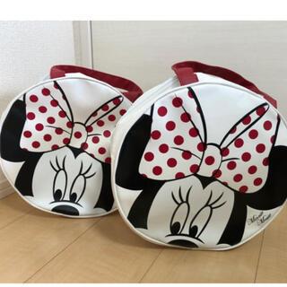 ディズニー(Disney)の新品❤️2個セット ミニーちゃん ラウンド型 エナメルバッグ(ハンドバッグ)