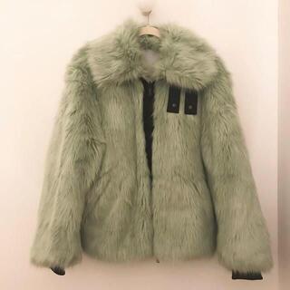 ナイキ(NIKE)のNIKE AMBUSHファージャケットです(毛皮/ファーコート)