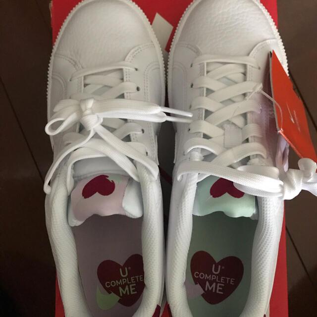 NIKE(ナイキ)のNIKE★WMNS COURT ROYALE★バレンタイン★ハート柄 レディースの靴/シューズ(スニーカー)の商品写真