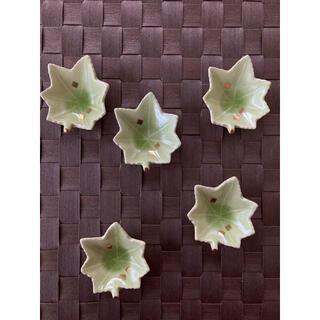 タチキチ(たち吉)の青楓の形の箸置き 5個(テーブル用品)