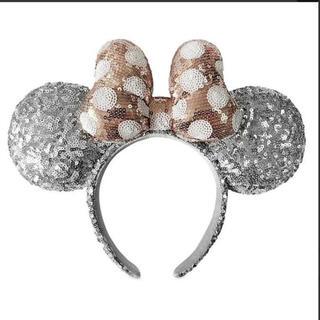 ディズニー(Disney)の日本未発売❣️ディズニーシルバー&ローズゴールドスパンコールカチューシャ ミニー(カチューシャ)