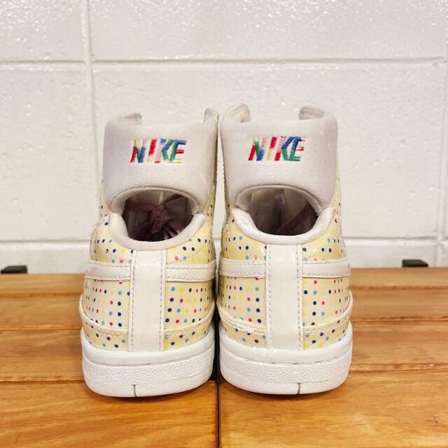 NIKE(ナイキ)の廃盤 NIKE ナイキ AIR FORCE 1 エア フォース 22.5cm レディースの靴/シューズ(スニーカー)の商品写真