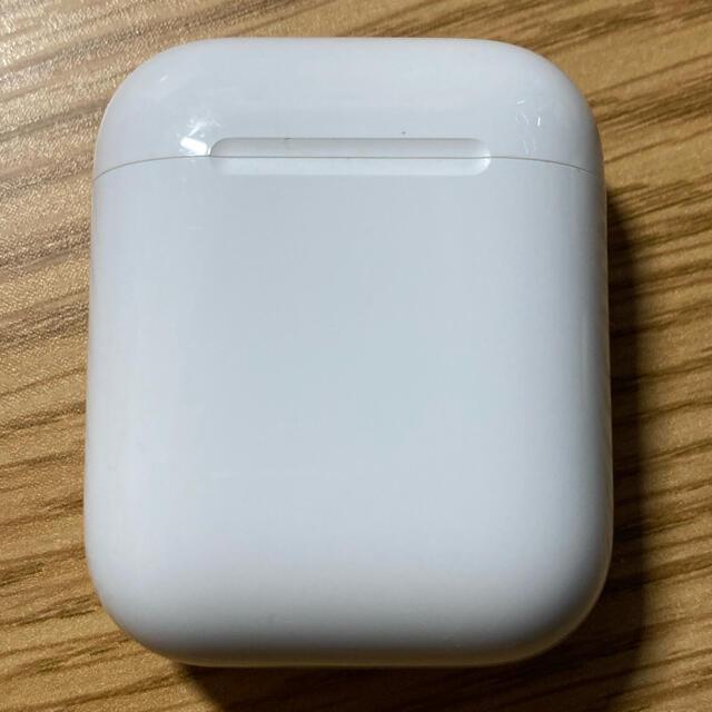 Apple(アップル)のAirPods 第一世代 スマホ/家電/カメラのオーディオ機器(ヘッドフォン/イヤフォン)の商品写真