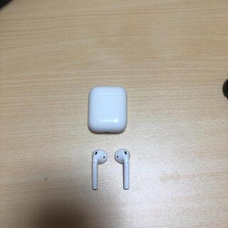 アップル(Apple)のAirPods 第一世代(ヘッドフォン/イヤフォン)