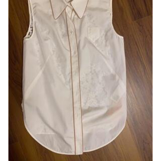 N°21 - ヌメロ バックレースノースリーブシャツ