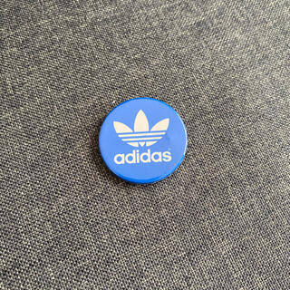 アディダス(adidas)のadidas缶バッジ(バッジ/ピンバッジ)