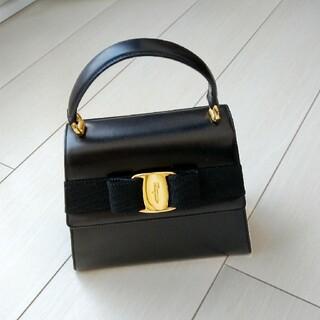 フェラガモのハンドバッグ(黒のカーフ)