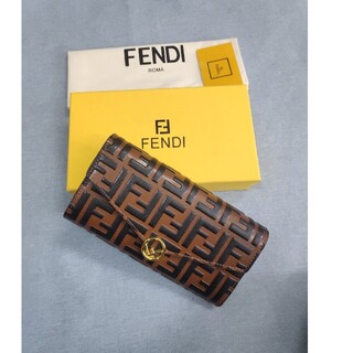 FENDI - ★特別価格★ FENDI フェンディ 長財布  小銭入れ